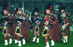 #3259 - Pipe Band, Piper